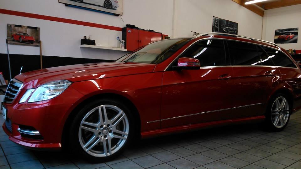 Mercedes E Klasse Kombi rot