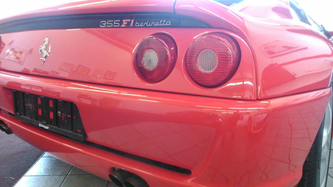 Ferrari 355 F1 berlinetta poliert