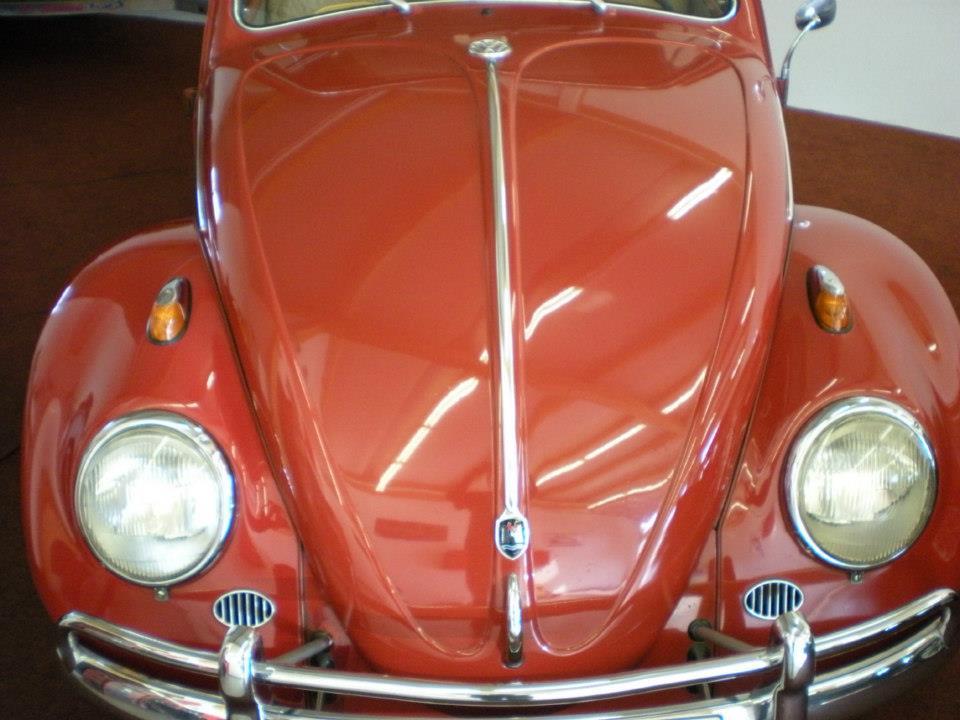 VW Käfer rot poliert