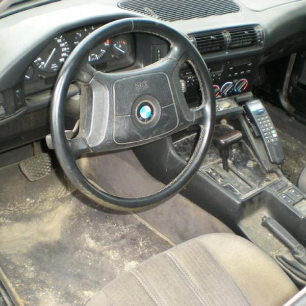 BMW verschmutzter Innenraum