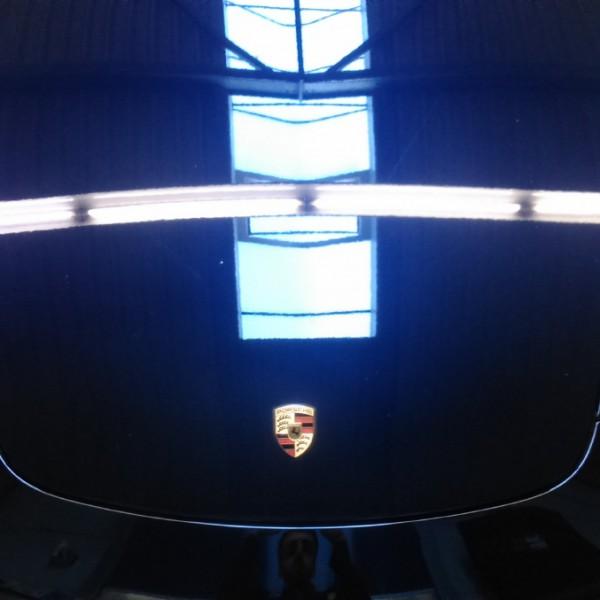 Porsche blau poliert