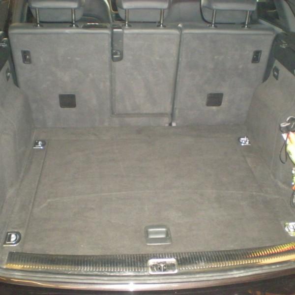 SUV Kofferraum gereinigt